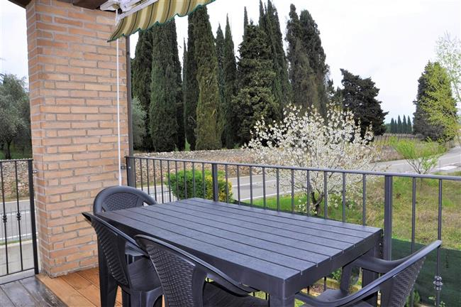 Big balcony to North-East. Holiday apartment Berto Lazise