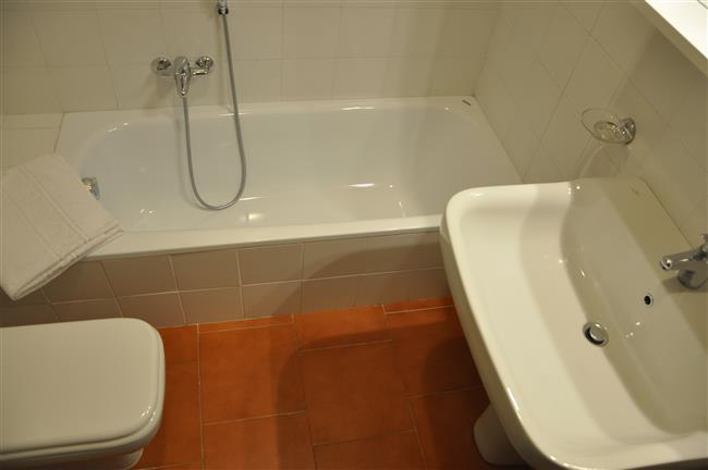the other bathroom with bathtub